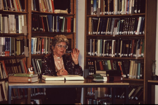 أنّا ماري شيمل ديانة المؤلف
